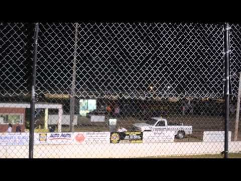 11 year old jordan fowler waycross motor speedway feature taped from stands