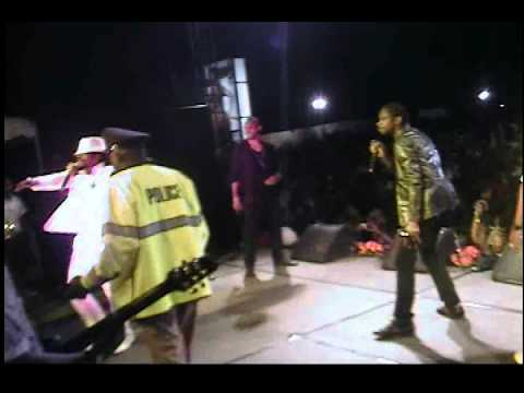 BOUNTY KILLA,BEENIE MAN AND BABY CHAM PERFORMING A...