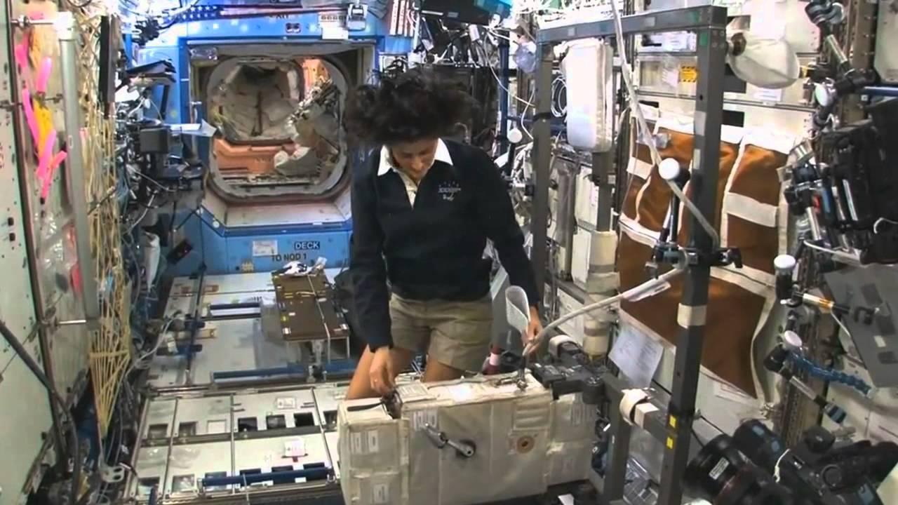 inside space station model - photo #47