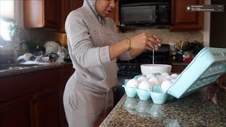 VLOGMAS #11: LEARNING TO BE A HOUSE WIFE! COOKING + CLEANING | AALIYAHJAY