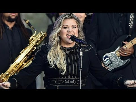Kelly Clarkson // Mini Interview + Love So Soft LIVE on the Today Show (September 8th, 2017)
