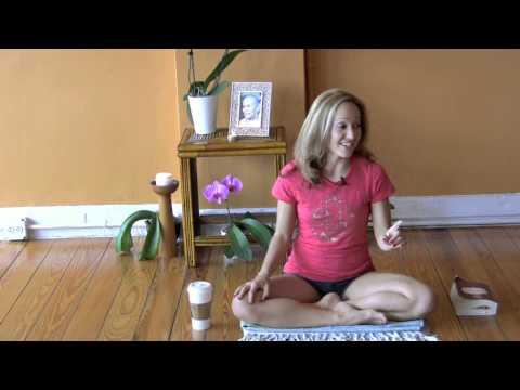 Ashtanga Yogini Kino MacGregor Discusses the Yoga Sutras