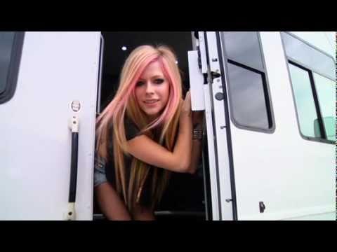 KNOCK! KNOCK! - Avril Lavigne