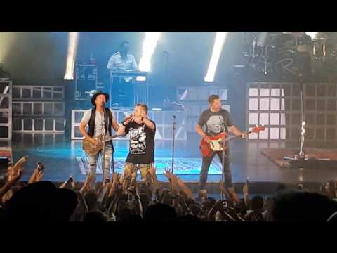 "Rascal Flatts - ""Life Is A Highway"" July 9, 2016 LIVE"