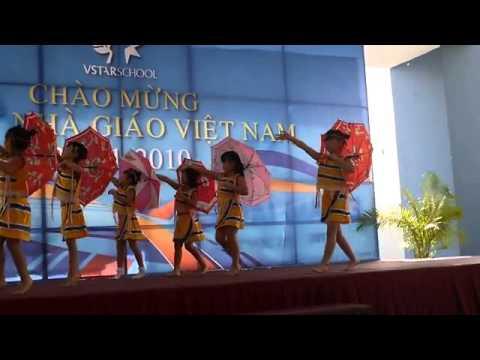 Bài Múa Ô  Đi Học  do Top Lớp 1 VstarSchool trình bày