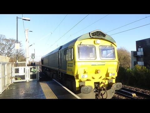 Trains at Gatley and East Didsbury 28/12/2016