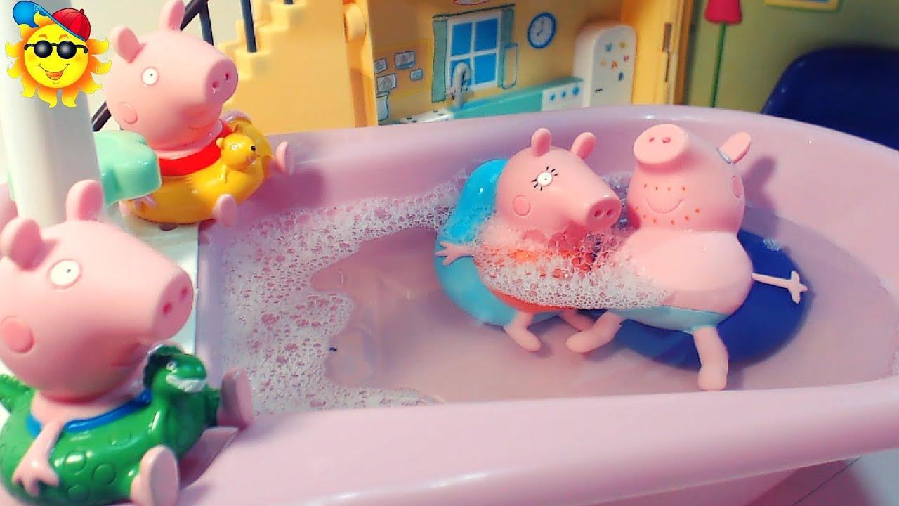 Peppa pig juguetes de ba o en familia con flotador youtube - Juguetes de bano ...