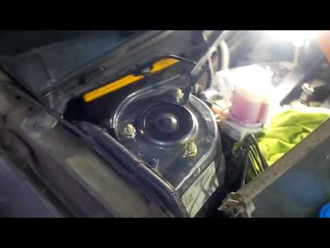 видео: Замена жидкости ГУР lifan x60 (лифан х60)