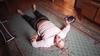 Простое упражнение для растяжки позвоночника при болях в спине