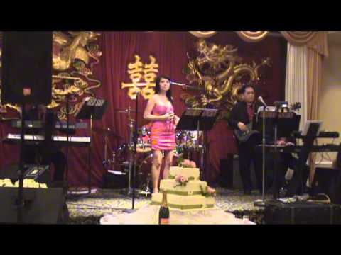 "Phi Yen ""Tup Leu Ly Tuong"" @ New Fortune, Mariland - 5/14/2011"