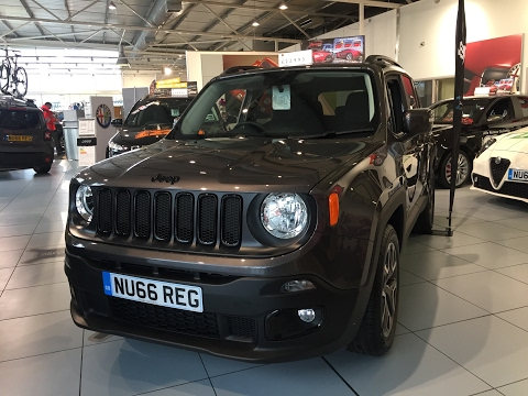 2017 Jeep Renegade - Exterior and Interior Review