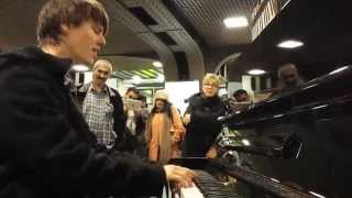 CLASSICAL PIANO IMPROVISATION AT TRAIN STATION