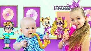 Diana Dan Roma Menghibur Bayi Oliver Dengan Musik