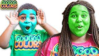 I Am The Color Green! (Goo Goo Mom Teaches Colors To Son)