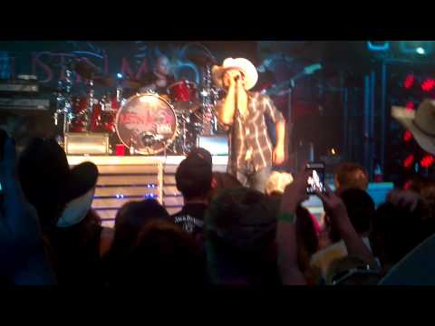 Justin Moore - Good Ole American Way (Live)