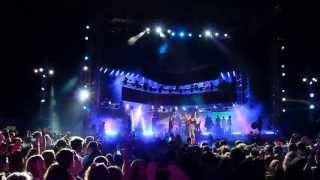 ema stokholma & andrea delogu MTV Awards 2013