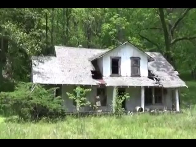 Abandoned House Full of Poop