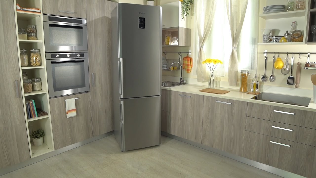 ePRICE Video Recensione Frigorifero Combinato SMEG FC400X2PE  YouTube
