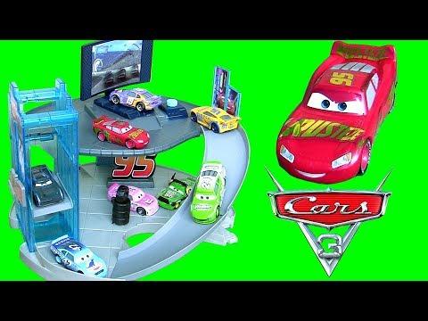 Cars  Rust Eze Racing Center Playset