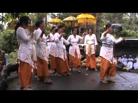 Bendul, Bali. Purnama (full moon) January 2011 part2