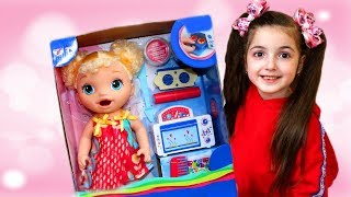 Masha and Papa Play with toys and new Doll