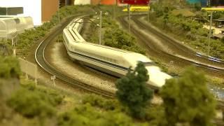 ドクターイエローがカッコイイ!!Nゲージ鉄道模型(Model Train)のイベント、ABCハウジング住宅公園(大阪万博公園)にて。8分56秒付近で衝撃なシーンもあります!!