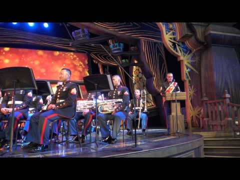 [4K] The Third Marine Aircraft Wing Band-Patriotic Finale-Disneyland July 4, 2016