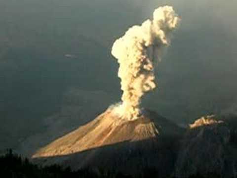 Explosión del Volcán Santiaguito - Volcano Explosion