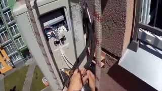 Монтаж кондиционера. Установка с верёвок.(Стандартная установка внешнего блока кондиционера. Работа верхолаза., 2015-06-23T15:42:57.000Z)