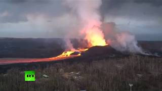 hawaii volcano lava flow into ocean