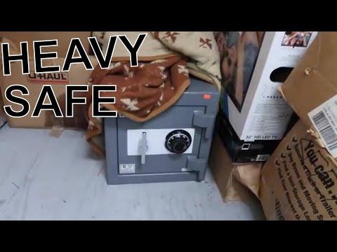 HEAVY SAFE Found In Abandon Storage Unit I Won