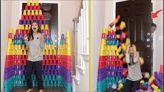 DESAFIO DA TORRE DE COPOS!!! Fiz Uma Torre de Copos GIGANTE e Minha Mãe DERRUBOU!!