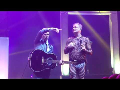 erasure @ vivo rio: a little respect (encerramento do show)