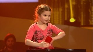 Larissa - Cups - The Voice Kids Germany 21.03.2014 thumbnail
