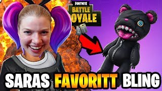 SARAH'S FAVORITE BACKBLING IN FORTNITE FROM THE LEATHER LACE! 😂🐶