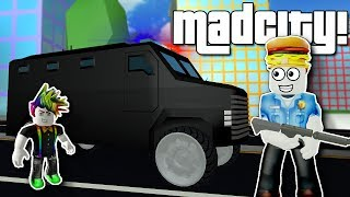 STOPPING A BANK HEIST IN MAD CITY! - Roblox Multiplayer Roleplay Gameplay