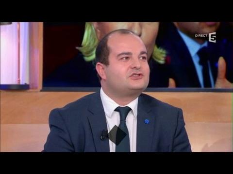 Le FN rattrapé par les affaires - C à vous - 31/01/2017