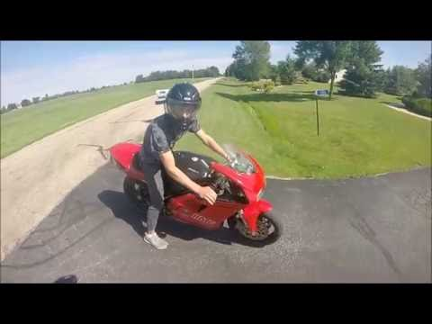 Honda cr 250 vs Ducati 748!!!
