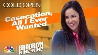 """Cold Open: Jake and Amy Go on a """"Casecation"""" - Brooklyn Nine-Nine (Episode Highlight)"""