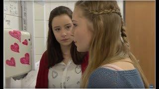 Uczennica zafascynowana psychologią chciała na siłę pomóc nieśmiałej koleżance [Szkoła odc. 532]
