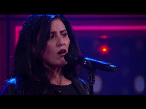 Forever Amy - Back To Black - RTL LATE NIGHT MET TWAN HUYS