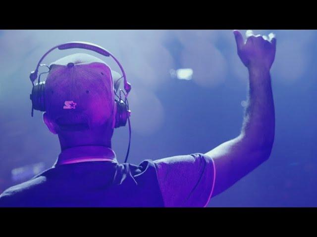 Tantrum Desire ft. Solah - Oblivion