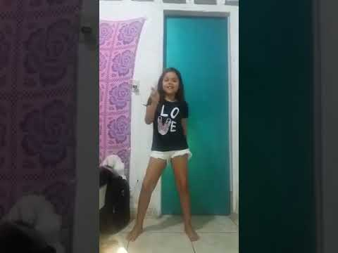 Sofia Carvalho Dançando Crush Bela Fernandes