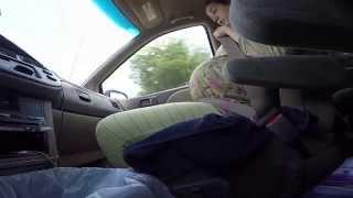 Женщина рожает в машине по дороге в больницу(женщина рожает по дороге в больницу, легко и просто, вот как бывает,, 2015-07-23T15:03:26.000Z)