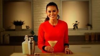 Eggnog Martini Cocktail Recipe, Holiday Drink Ideas, Yum How To
