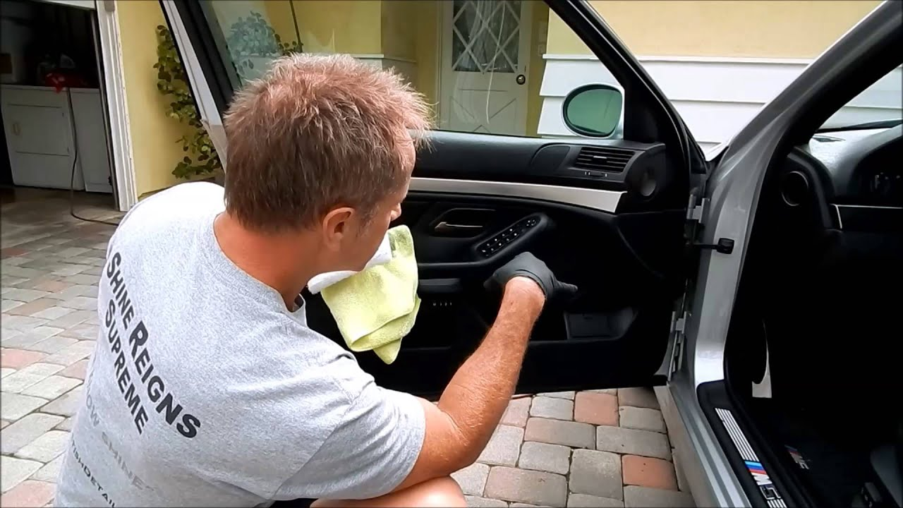 car interior cleaning using customers bmw m5 to clean leather plastic door panel youtube. Black Bedroom Furniture Sets. Home Design Ideas