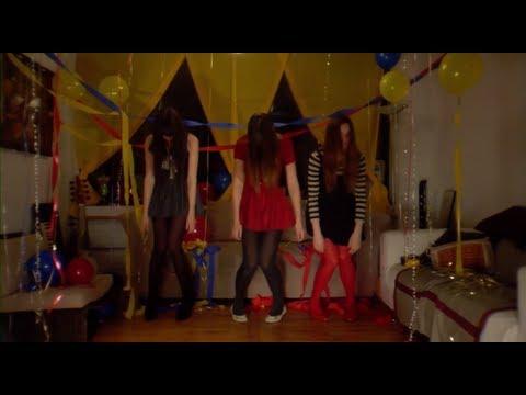 Au Revoir Simone - Sad Song (Official Music Video)