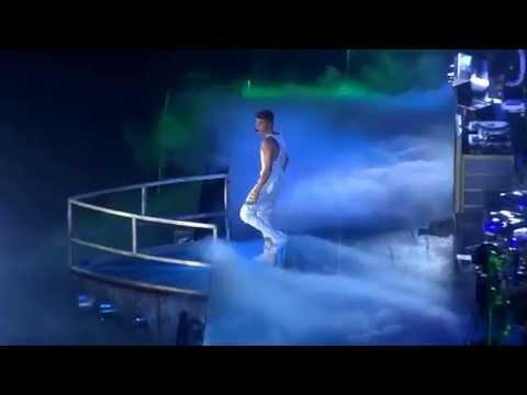 Justin Bieber INTRO live @ Stadthalle Vienna [Full HD]