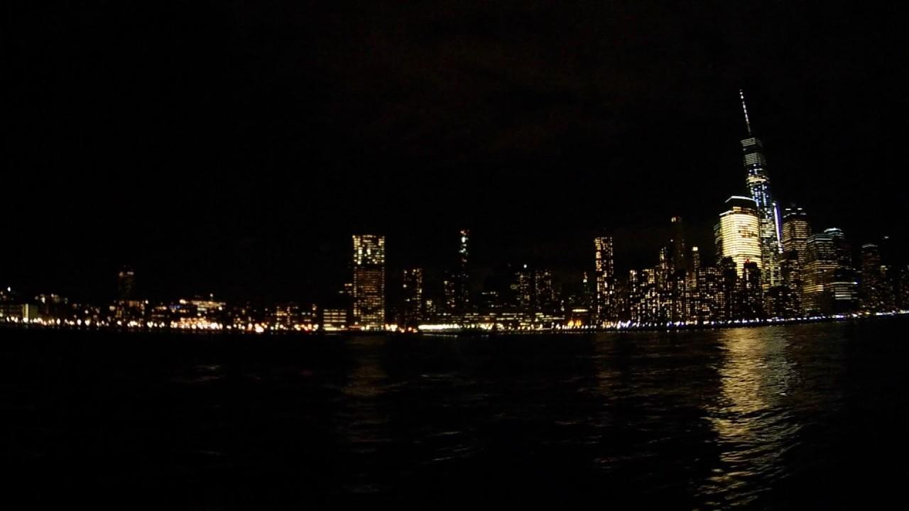 Circle Line Harbor Lights Cruise, New York City   December 2016
