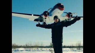 """Как сделать фото """"Самолет на плечах"""""""